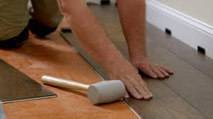 Installing Wood Laminate Flooring Installing Laminate Flooring Overview Flooring How To Videos