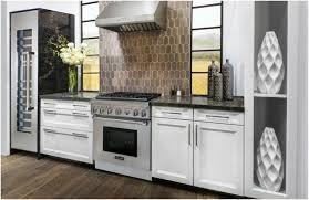 cuisine avec piano de cuisson photo cuisine avec piano de cuisson four meubles