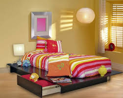 Queen Size Platform Bed Designs by 25 Incredible Queen Sized Beds With Storage Drawers Underneath