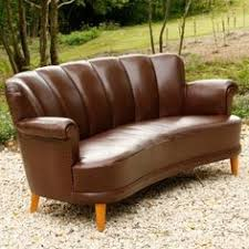 Curved Leather Sofas Check Out The Coaster Furniture 503401 Cornell Bonded Leather