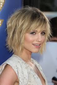 casual chin length shaggy hairstyles women medium haircut