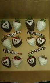 White Chocolate Strawberries And Pretzels Panda Chocolate Dipped Strawberries Aoii Pinterest Dipped