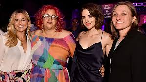 glow show alison brie betty gilpin and cast premiere netflix s glow variety