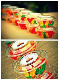 party favors for adults mesas de dulces que debes tener en tu de xv años favors