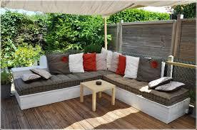 canapé d angle exterieur salon de jardin canapé d angle extérieur en bois idées palettes