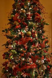 christmas tree decorations with mesh ribbons