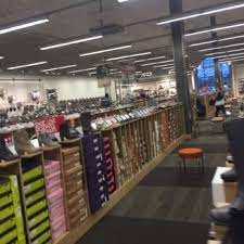 dsw designer shoe warehouse 29 photos u0026 12 reviews shoe stores