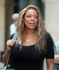 does mj from shas wear a wig wendy williams laughs her way through lunch with her parents daily