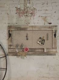 Shabby Chic Jewelry Display by 25 Best Pallet Jewelry Holder Ideas On Pinterest Jewelry