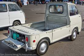subaru sambar mini truck при дороге ретро модели subaru sambar ii и brat