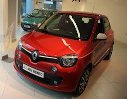 renault twingo 2015 renault shows what makes a small car great at smmt smmt