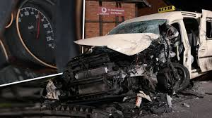 Klinik Bad Arolsen Wieder Ein Taxi Horror Crash Tacho Blieb Bei 140 Km H Stehen