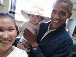Obama Wedding Ring by Picture Of Obama Holding Baby Goes Viral Photos