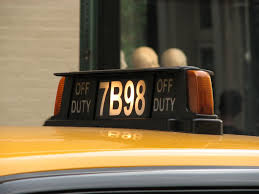 Taxi Light How To Hail And Ride In Nyc Taxi Cabs