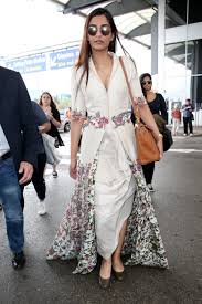 celebrities airport style celebs airport fashion photos
