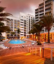 Motel 6 Miami Fl Hotel Book Courtyard Cadillac Miami Beach Oceanfront Miami Hotel Deals