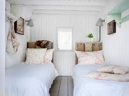 Ingenious Wooden Headboard Ideas For A Trendy Bedroom - The natural bedroom