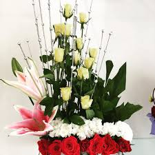 order flowers online cheap order flowers online pune blooms only a bunch of roses