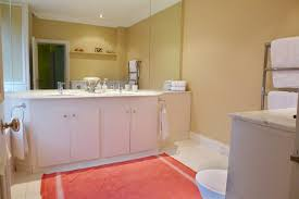 belgravia three bedroom vacation rental in london master bath with shower bathtub toilet and double sinks