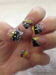 nail art glitter acrylic yellow black and white zebra animal
