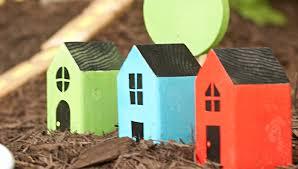 Backyard Kids Toys by Fun Easy Wooden Houses To Make Your Kids U0027 Backyard Look Like
