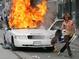Vancouver Riot Kiss Meme - the girl in that kissing photo on the 2011 stanley cup riot hockey