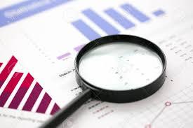 bureau des statistiques documents de statistiques financières avec objectif à la table de