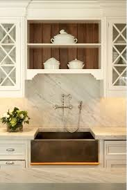 Farm Sink With Backsplash by Best 25 Farmers Sink Ideas On Pinterest Farmhouse Sinks Apron