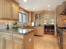 what color goes best with maple cabinets maple cabinets ideas on foter