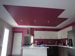plafond cuisine cuisine en u ouverte 13 osez un plafond en couleur le de
