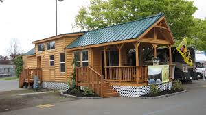 the cascade lodge manufactured home or mobile home from palm