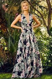 11 classy as heck dresses for every summer wedding floral print