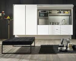 cacher une cuisine ouverte une cuisine ouverte discrète qui se cache côté maison