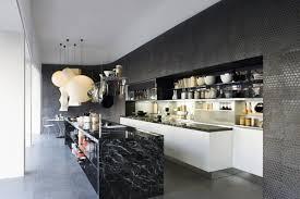 cuisine marbre noir cuisine avec marbre noir idées décoration intérieure farik us