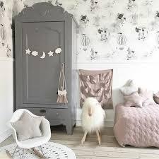 armoire chambre fille 1001 idées pour relooker une armoire ancienne lit armoire
