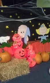 charlie brown halloween decorations great pumpkin 81 best charlie brown inspiration images on pinterest charlie