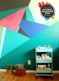 paint this geometric wall design pearmama create your own geometric wall mural for national painting week and sherwin williams