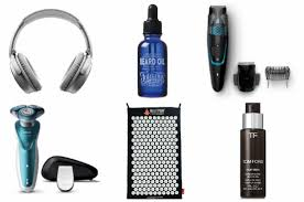 weekly christmas shop gifts for men ad a model recommends