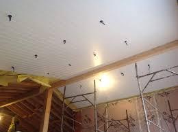 lambris pvc plafond cuisine plafond pvc cuisine excellent superbe lambris pvc plafond salle de