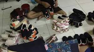 Harga Sepatu Wakai Taman Anggrek sepatu wakai