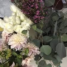 wholesale flowers miami jet fresh flower distributors 29 photos florists 2005 nw