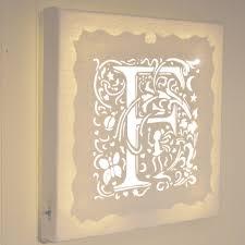 lettre chambre enfant tableau lumineux led décoration chambre enfant lettre f lune
