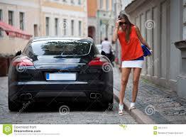 voiture de luxe voiture de luxe proche châtain fascinante image stock image