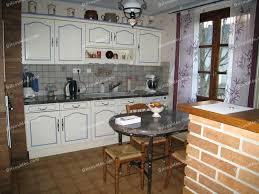 repeindre une cuisine en chene vernis peindre meuble en chene vernis top cool peindre meuble cuisine