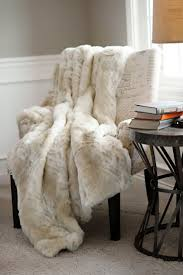 Fake Fur Blanket 101 Best Home Decor Luxury Faux Fur Throws Images On Pinterest