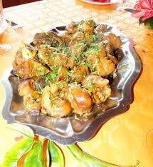 cuisiner des pieds de cochon cari de pieds de porc pour 4 personnes recettes à table