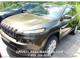 green jeep cherokee 2015 2015 eco green pearl jeep cherokee latitude 4x4 96507993