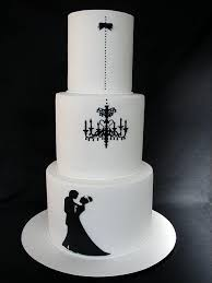 black and white wedding cakes stunning wedding cakes trending this summer
