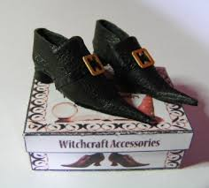dolls house miniature 1 12th witch shoes and boots odins miniatures