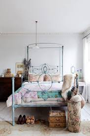 Shabby Chic Metal Bed Frame by 40 Vintage Iron Beds Hanging Flowers Iron And Walls
